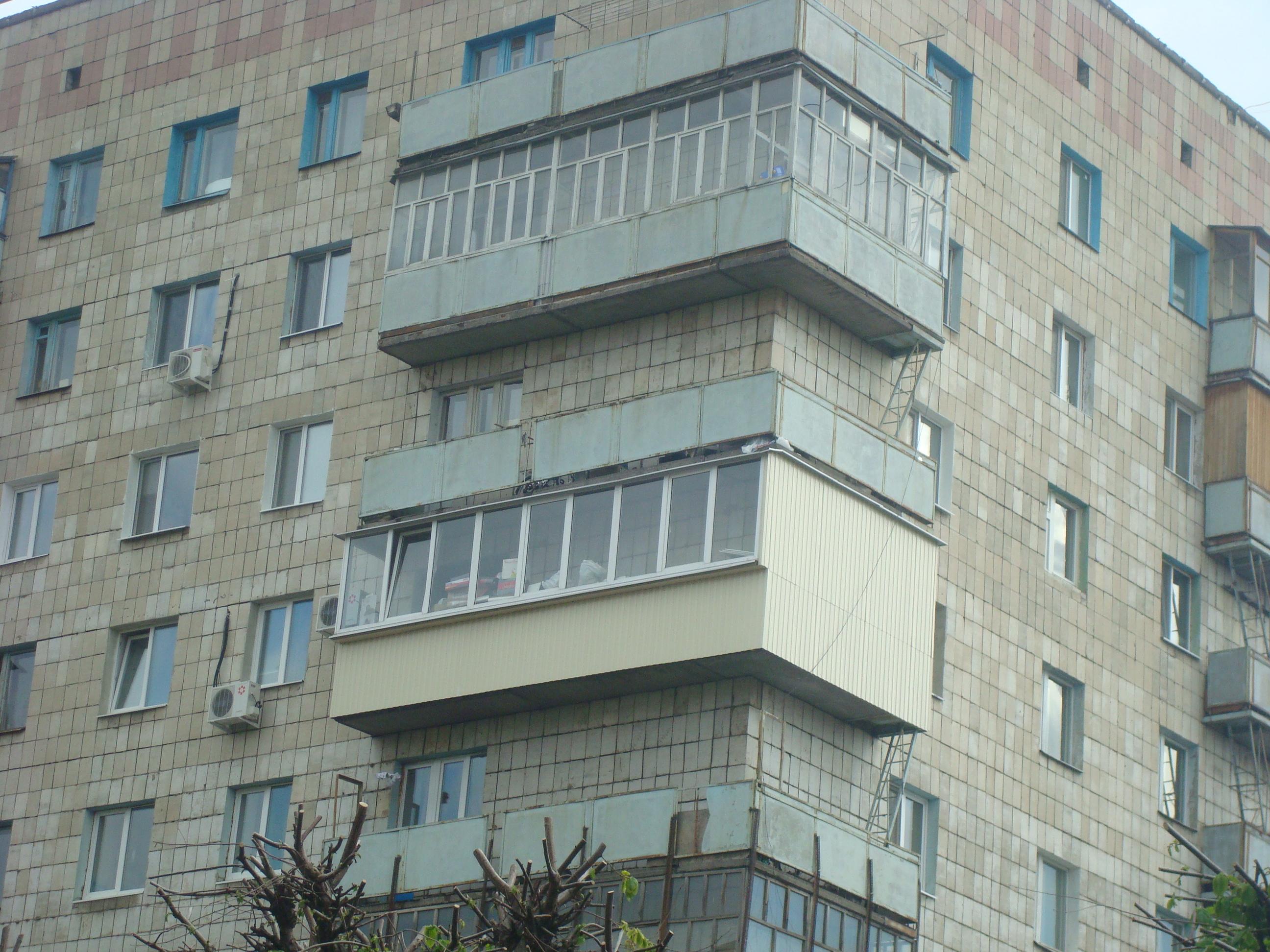 Благоустройство балконов, лоджий, дач. - наружнаЯ обшивка ба.